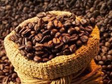 Giá cà phê Robusta tuần qua tăng mạnh 5,35%