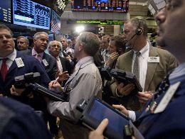 Cổ phiếu, hàng hóa và đồng euro suy yếu do khủng hoảng tại Hy Lạp