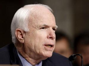 McCain: Không để Trung Quốc