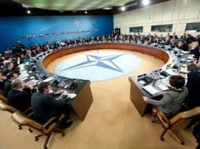NATO sẽ chuyển giao vai trò lãnh đạo tác chiến ở Afghanistan