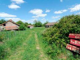Một ngôi làng của Pháp được bán với giá 520.000 euro