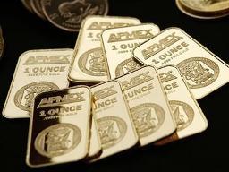 Giá vàng giảm gần 1,5% trước thềm hội nghị thượng đỉnh châu Âu