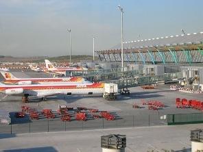 Tây Ban Nha sẽ đóng 30 sân bay quốc doanh để đối phó khủng hoảng