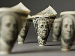 Đang khan hiếm đô la Mỹ