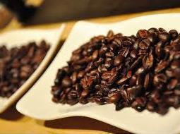 Xuất khẩu cà phê Việt Nam niên vụ 2012-2013 có thể giảm 13%