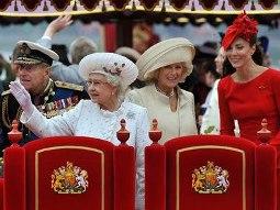 Hoàng gia Anh giàu đến mức nào?