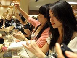 Trung Quốc sẽ thành thị trường tiêu thụ hàng hiệu hàng đầu vào năm 2015