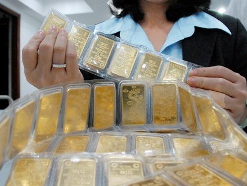 Lãi suất huy động vàng đồng loạt giảm mạnh