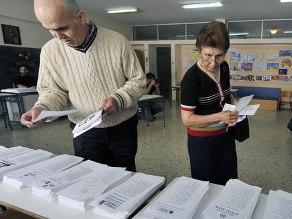 Cử tri Hy Lạp bắt đầu bỏ phiếu, cả châu Âu