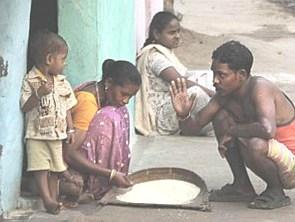 Ấn Độ xuất hiện các ngân hàng lương thực tư hỗ trợ người nghèo