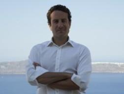 Doanh nhân 33 tuổi muốn quyên tiền cứu Hy Lạp