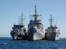Mỹ triển khai bốn tàu quét mìn tới Vùng Vịnh