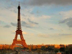 Pháp thực thi biện pháp khắc khổ cứu nền kinh tế