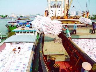 Giá xuất khẩu gạo Việt Nam vẫn ổn định nhờ kế hoạch tạm trữ
