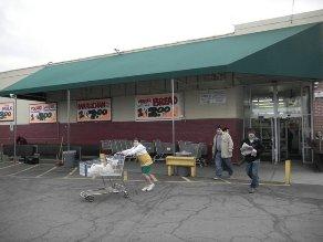 Siêu thị cho người nghèo ở Mỹ ăn nên làm ra