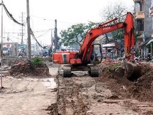 Yêu cầu hoàn thành dự án mở rộng quốc lộ 32 vào tháng 9