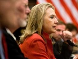 Hình ảnh Ngoại trưởng Hillary Clinton làm việc tại Việt Nam
