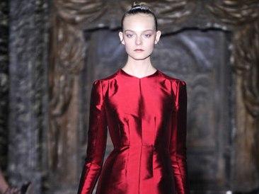 Qatar mua lại hãng thời trang Valentino của Italia