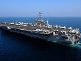 Mỹ cử tàu sân bay thứ 4 và hàng chục tàu ngầm tới vùng Vịnh