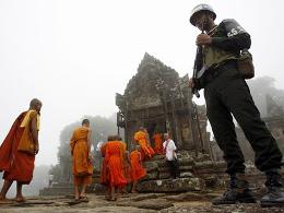 Binh sĩ Campuchia nổ súng vào máy bay chở khách Thái Lan