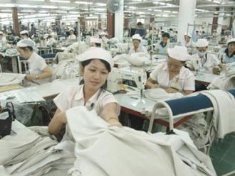 Xuất khẩu dệt may Việt Nam tăng trưởng chậm 6 tháng đầu 2012