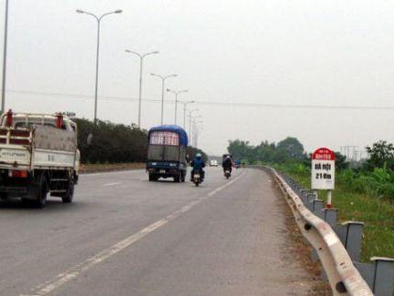 Cấm xe máy đi vào Quốc lộ 1A mới từ 1/8