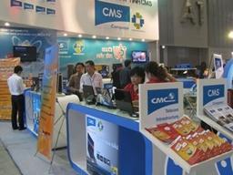 CMC tạm dừng kinh doanh điện thoại giá rẻ sau khi lỗ lớn trong 2011