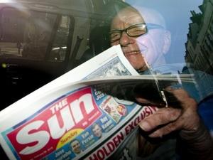 Ông Murdoch từ chức giám đốc News International