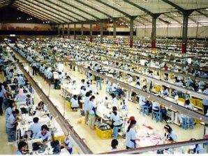 Trung Quốc mất dần lợi thế thị trường lao động so với Ấn Độ