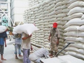 Các nước xuất khẩu gạo châu Á chịu sức ép về giá