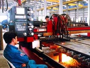 Nhiều nhà máy cơ khí ngừng hoạt động