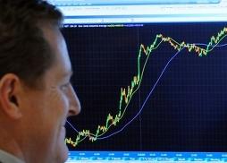 Thị trường toàn cầu phục hồi mạnh sau cam kết cứu eurozone của ECB