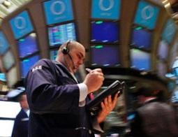 Tiền đổ vào quỹ đầu tư cổ phiếu toàn cầu mạnh nhất 8 năm