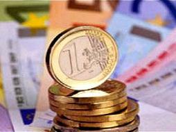 Euro tạm ngưng tăng với USD trước thềm cuộc họp ECB