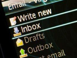 Microsoft khai tử Hotmail, thêm dịch vụ email mới cạnh tranh với Google
