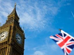 Moody's hạ dự báo tăng trưởng Anh