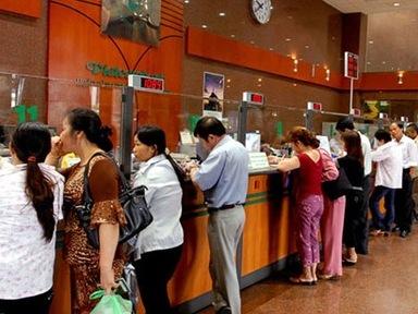 Vietcombank tăng lãi suất huy động dài hạn VND