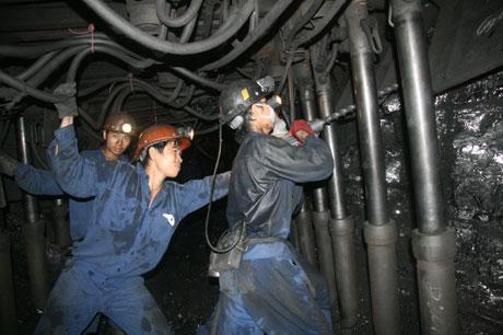 Tiêu thụ than trong nước của Vinacomin sẽ tiếp tục khó khăn