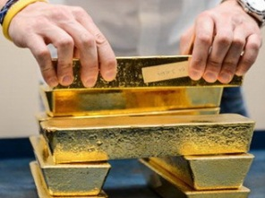 Dân Italia đổ xô bán vàng