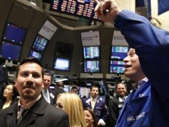 S&P 500 lên cao nhất 3 tháng nhờ kỳ vọng gói kích thích kinh tế của ECB
