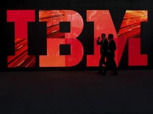 IBM xem xét mua lại khối doanh nghiệp của RIM?