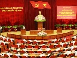 Tháng 9, Bộ Chính trị, Ban Bí thư họp thông qua báo cáo tự phê bình và phê bình