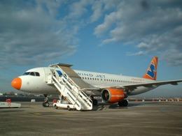Hãng hàng không Italia ngừng hoạt động do khủng hoảng