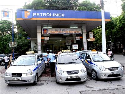Thuế, phí chiếm tới 32% giá xăng dầu