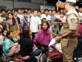 Hàng nghìn dân Ấn Độ hoảng loạn do đe dọa tấn công