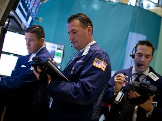 Chứng khoán Mỹ hồi phục nhờ tăng trưởng kinh tế tốt hơn dự tính