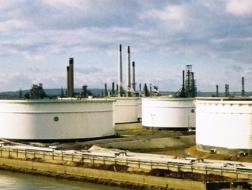 Các nước châu Âu tăng dự trữ dầu