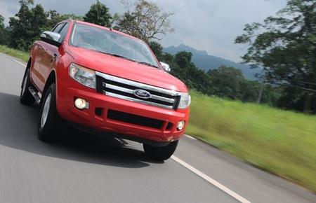 Nhập khẩu ô tô từ Thái Lan tăng đột biến