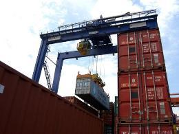Thặng dư thương mại eurozone bất ngờ cao kỷ lục trong tháng 6