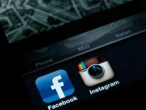 FTC mở đường cho Facebook thâu tóm Instagram